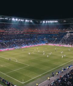 esitelty kuva 8 parasta jalkapalloteemaista peliä jotka ovat saatavilla online kasinoissa 240x280 - 8 parasta jalkapalloteemaista peliä, jotka ovat saatavilla online-kasinoissa